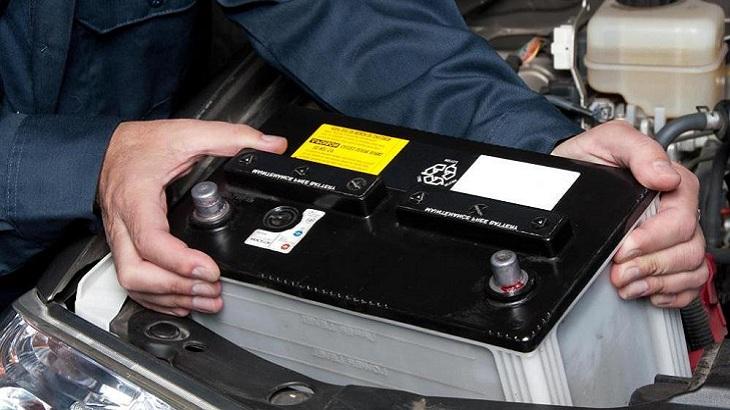 چک کردن باتری خودرو در زمستان